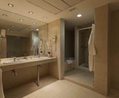 Salle de bain Junior suite Hôtel Cortezo