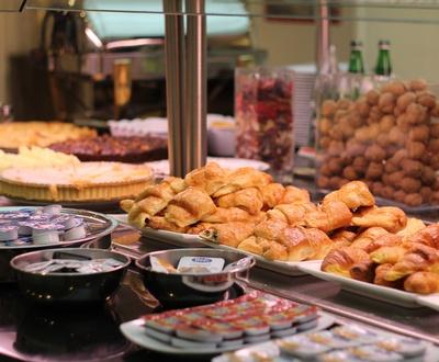 Petit-déjeuner buffet Hôtel Cortezo